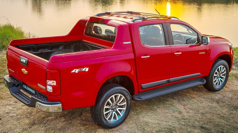 Chevrolet-Colorado-2017-dailyxechevrolet04