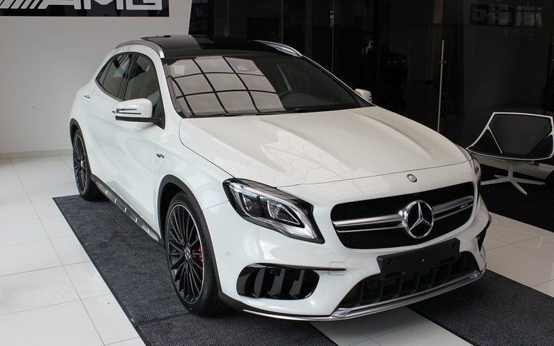 Mercedes-Benz-GLA 45 4matic