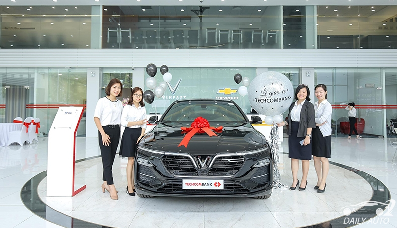 Showroom xe VinFast Long Biên